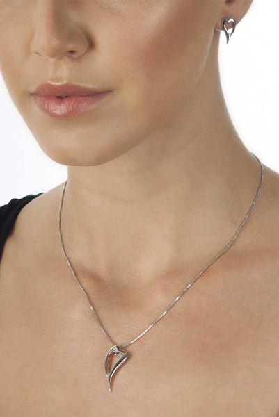 Hot-Diamonds-Lingering-Silver-Pendant_DP088_1