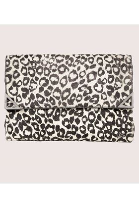 Picture of Love My Soul Sienna Clutch Leopard