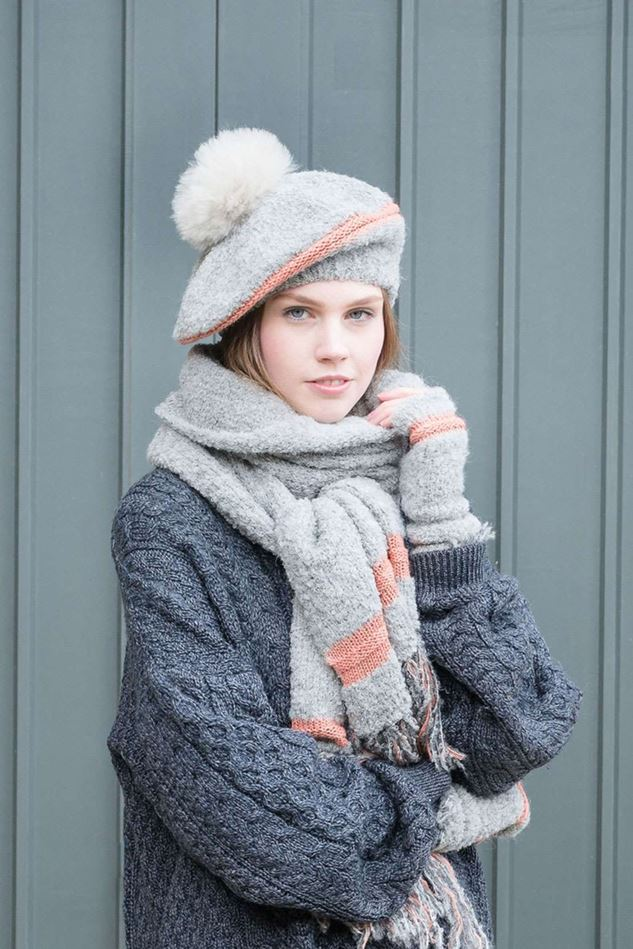 Picture of Samantha Homes Boucle Fringe Mittens