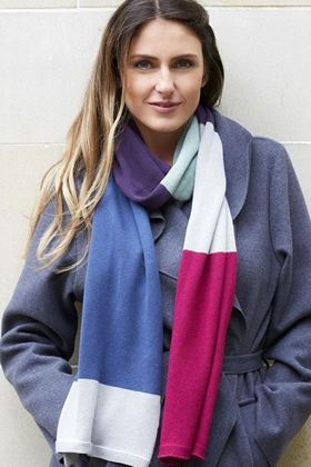 Picture of Earth Squared Violet Fuchsia Knitted Scarf