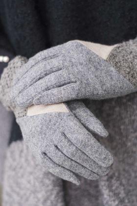 Picture of Powder Zandra Wool Gloves
