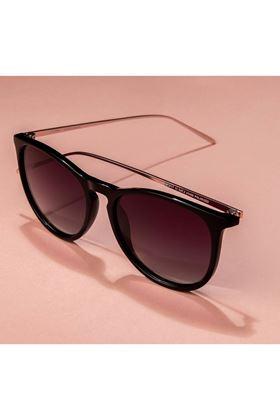 Picture of Pilgrim Vanille Sunglasses Black