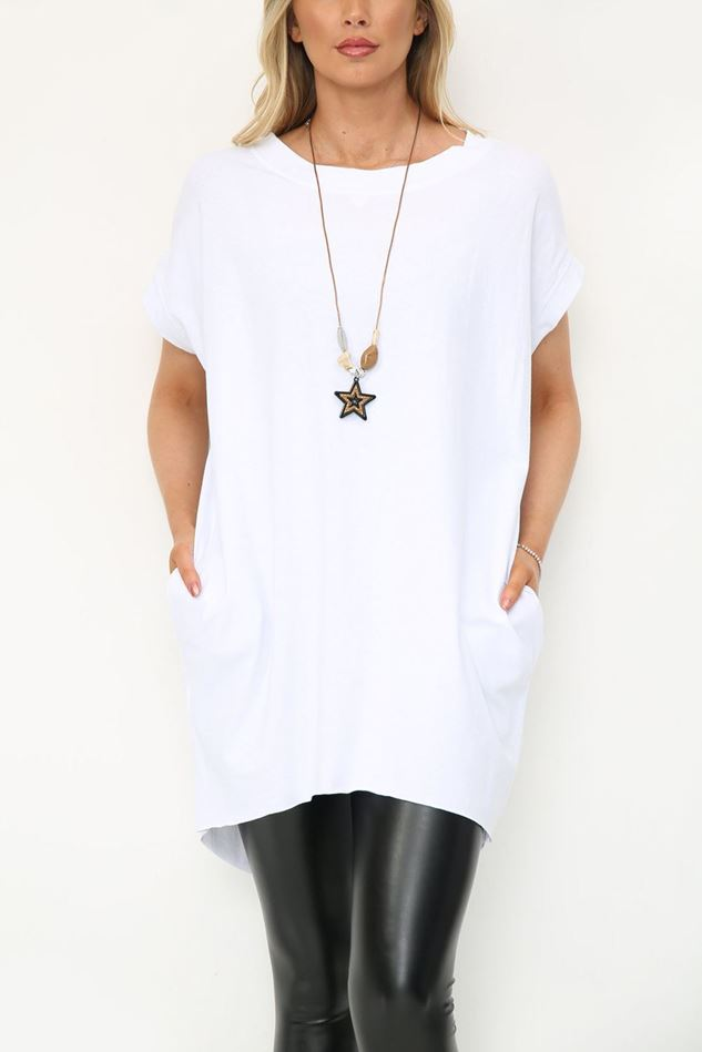 Picture of White Longline T Shirt with Necklace