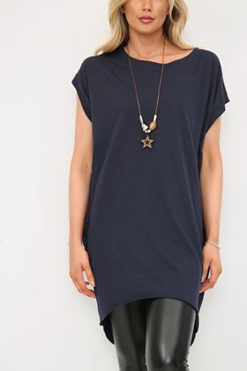 Picture of Navy Longline T Shirt with Necklace