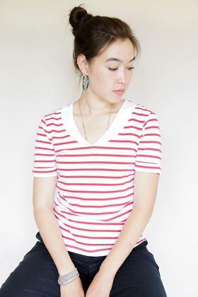 Picture of Mousequton Kisen V Neck T Shirt