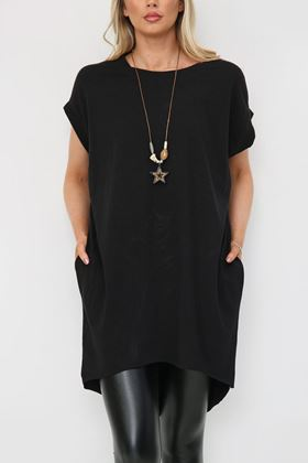 Picture of Black Longline T Shirt with Necklace